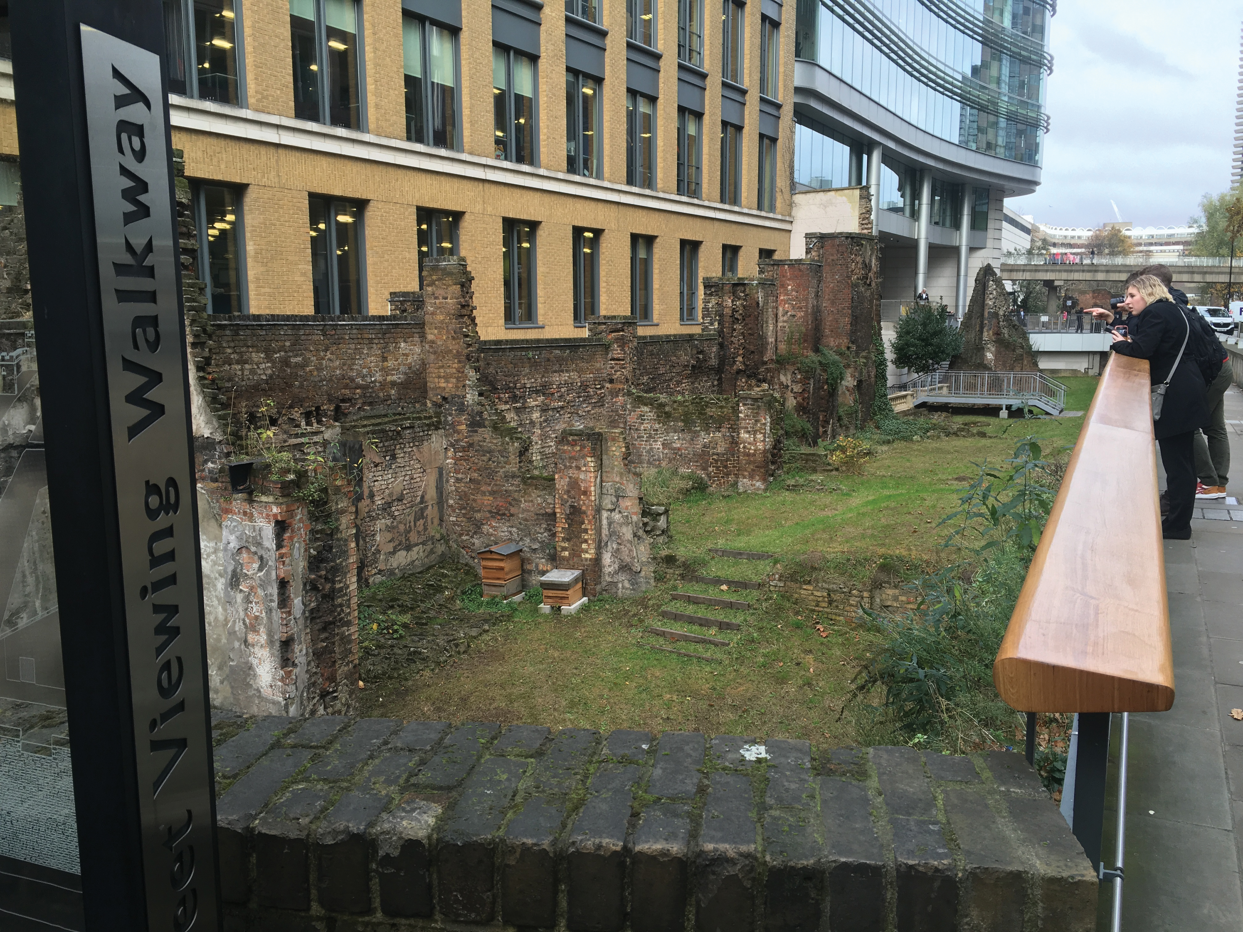 Roman wall and new construction, London class trip