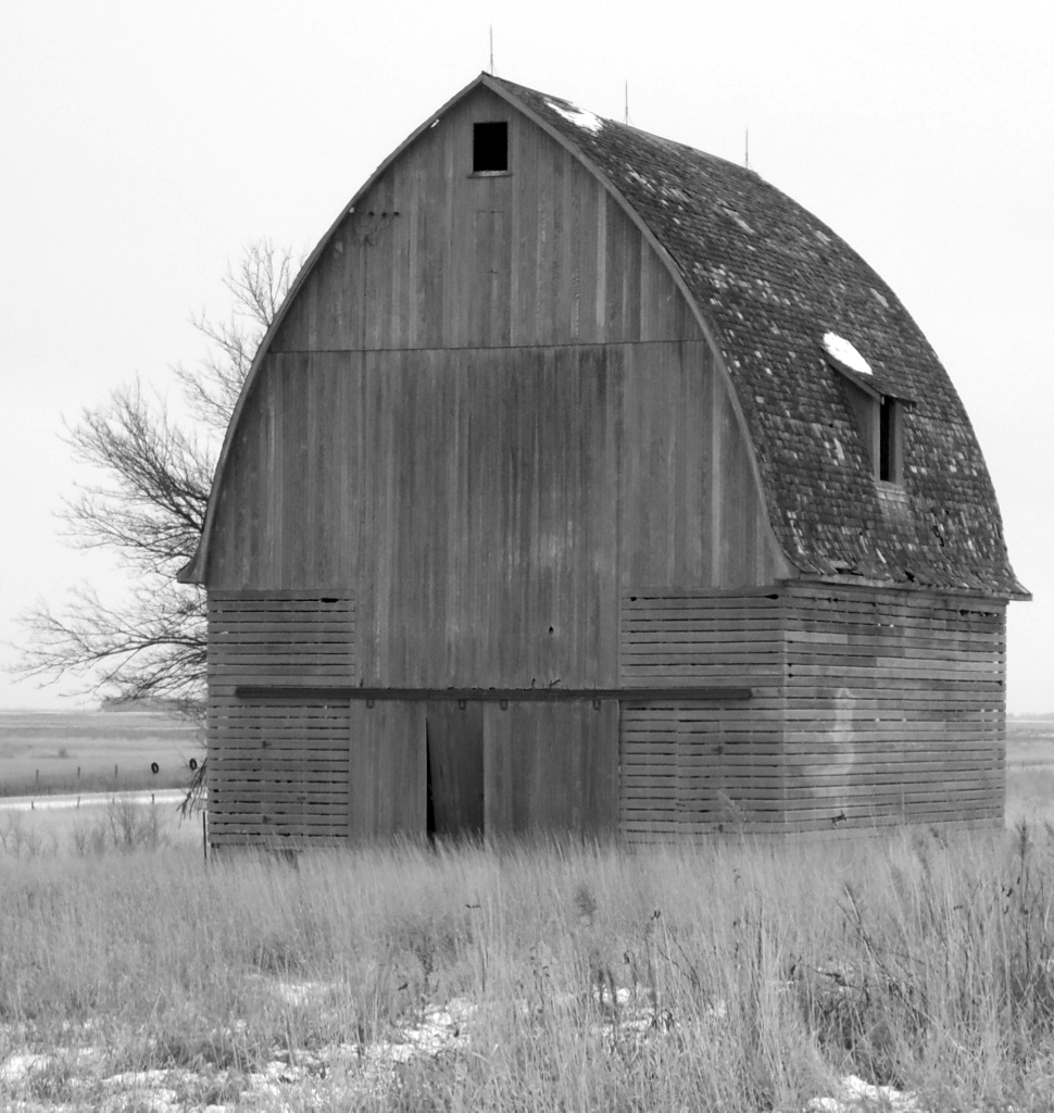 GOTHIC CORN CRIB - Naegele's Guide to the Only Good Architecture in Iowa