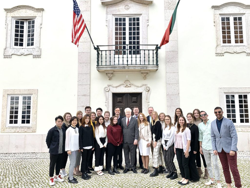 Students with Ambassador