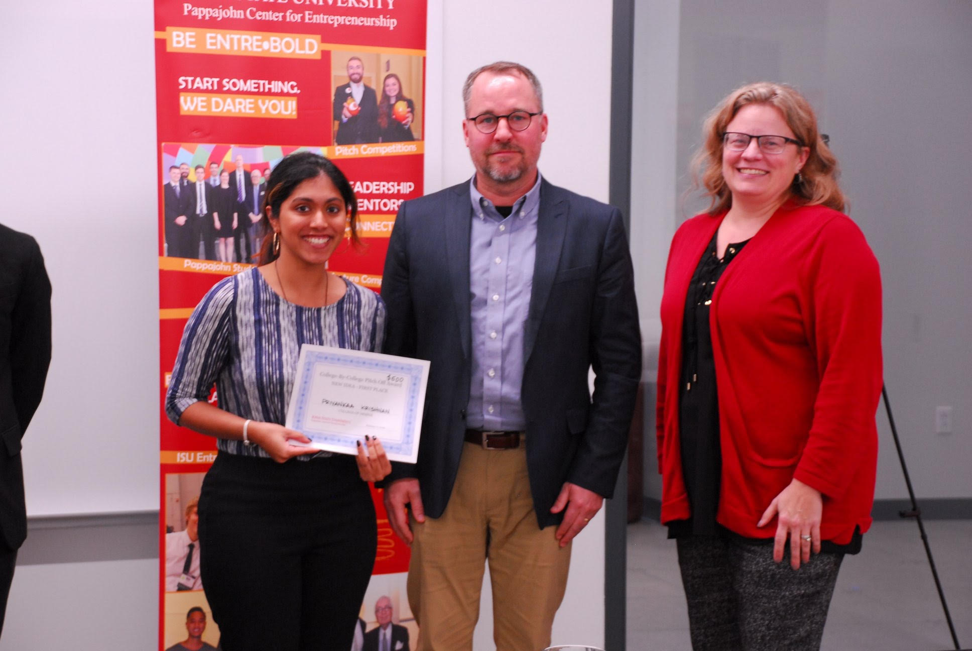 Priyankaa Krishnan with her winning certificate from the College of Design's College-by-College Pitch Off