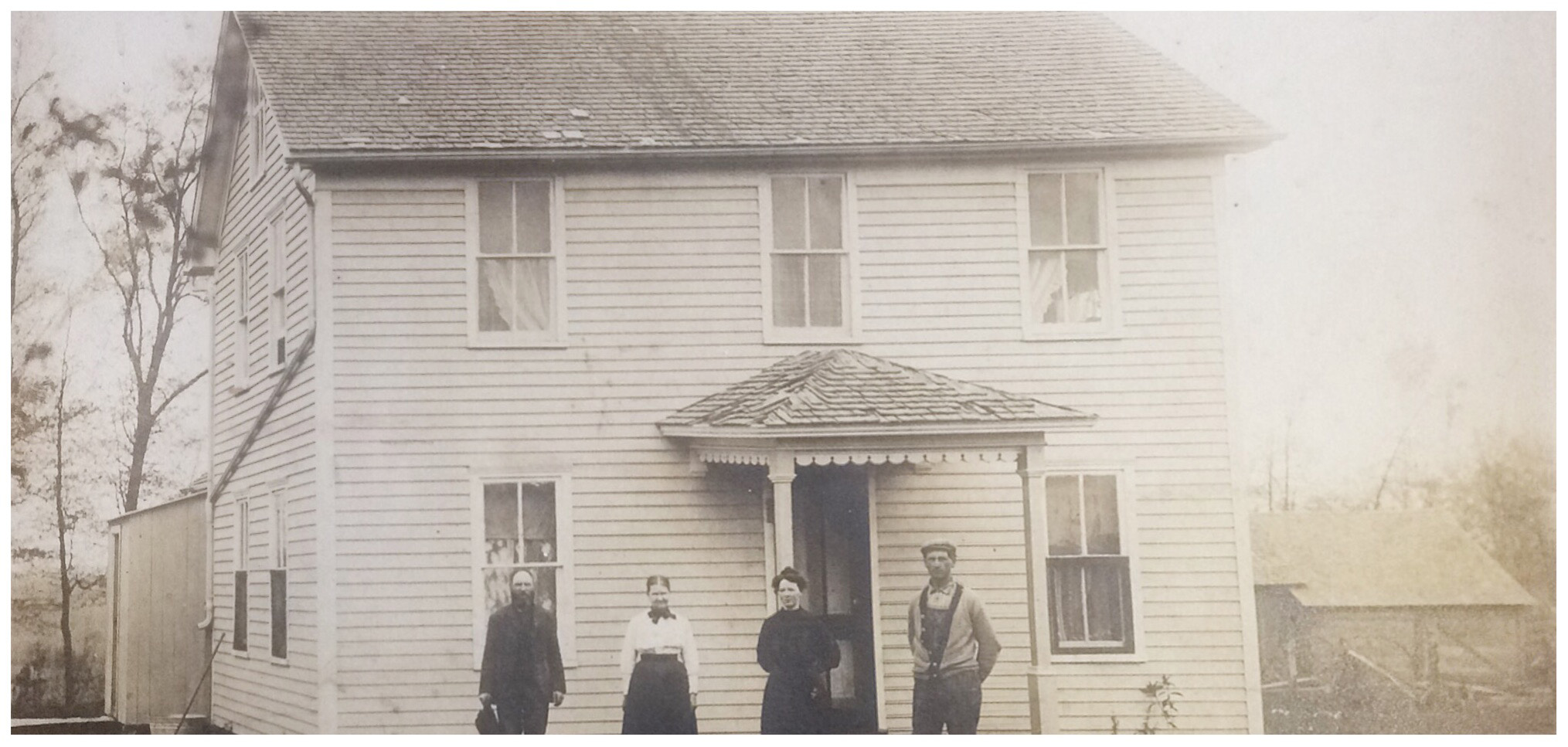 The Vik family outside their home in the early 20th century. Photo courtesy of Linda Nerstad Kemp.